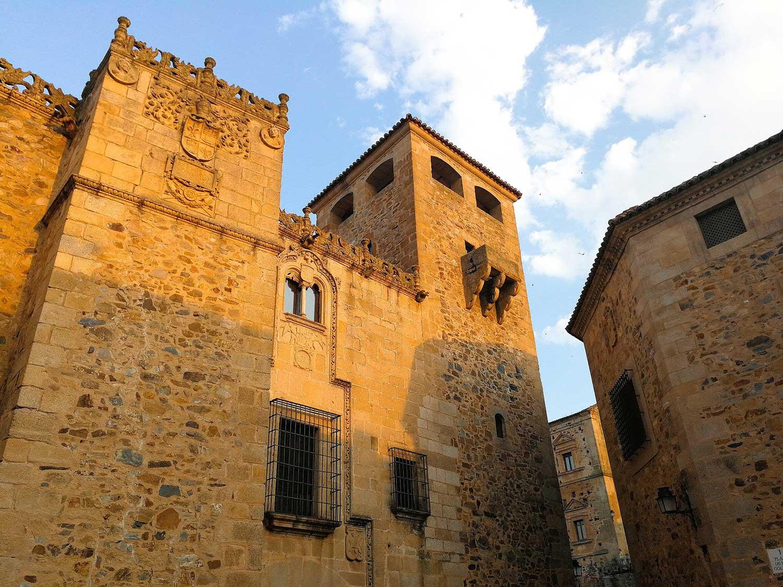 Escoge un lugar dónde dormir en Cáceres
